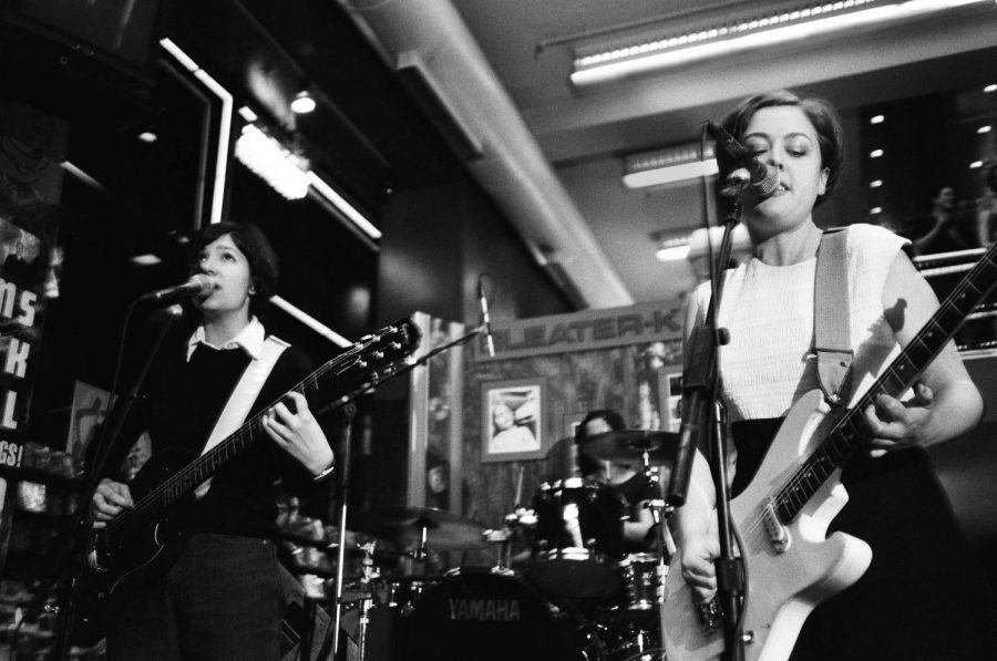 Sleater-Kinney%2C+a+popular+Riot+Grrrl+band%2C+perform+at+Tower+Records+in+1997.
